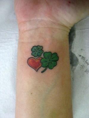 Tatuagem coração e trevo clove and heart tattoo