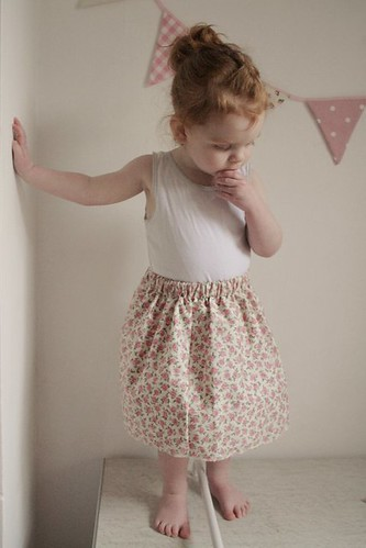 Hollie-in-Bloom skirt - photo by Gingerlillytea