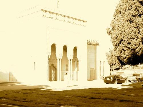 Angeles Abbey, Compton