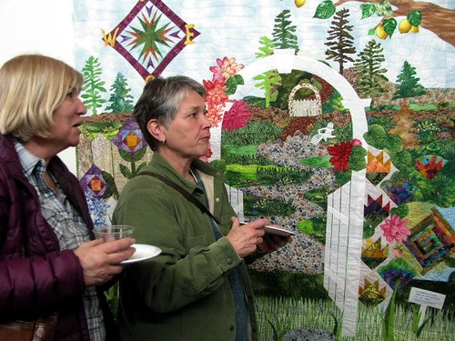 Admirers of Phyllis Dickenson's Quilt