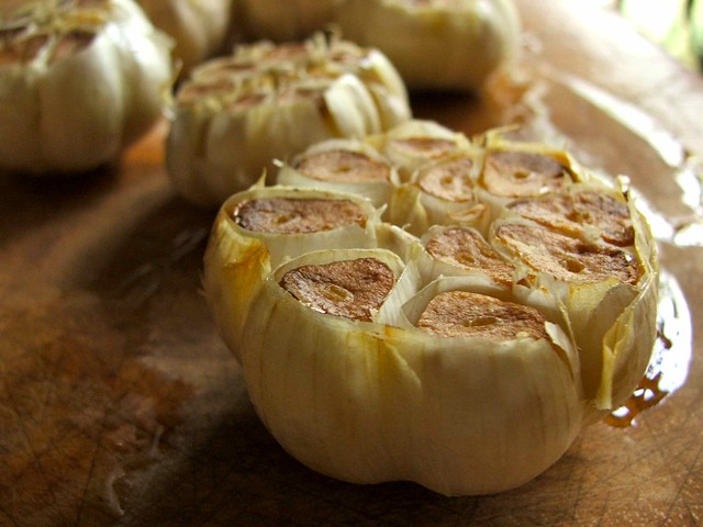 cooking for the weekend: roasted garlic flowers