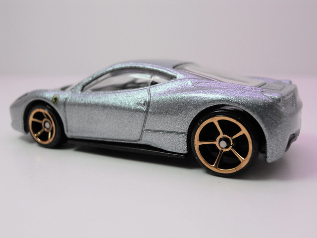 hot wheels ferrari 458 Italia silver (4)