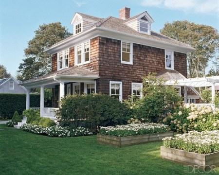 Hamptons home Elle Decor garden