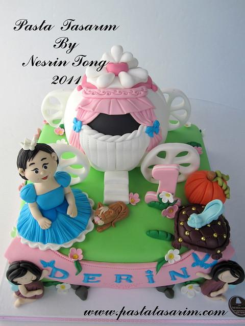 CINDIRELLA CAKE - DERIN 1ST BIRTHDAY