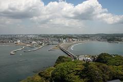 江の島めぐり―展望灯台から弁天橋(Benten bridge from lighthouse, Enoshima, 2011)