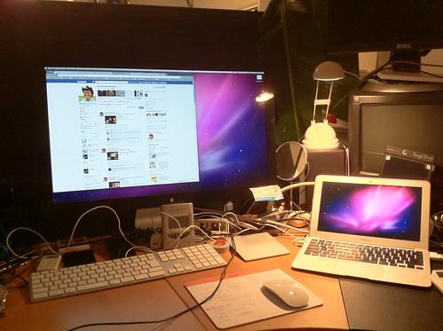 """MacBookAir""""11 with CinemaDisplay""""27"""