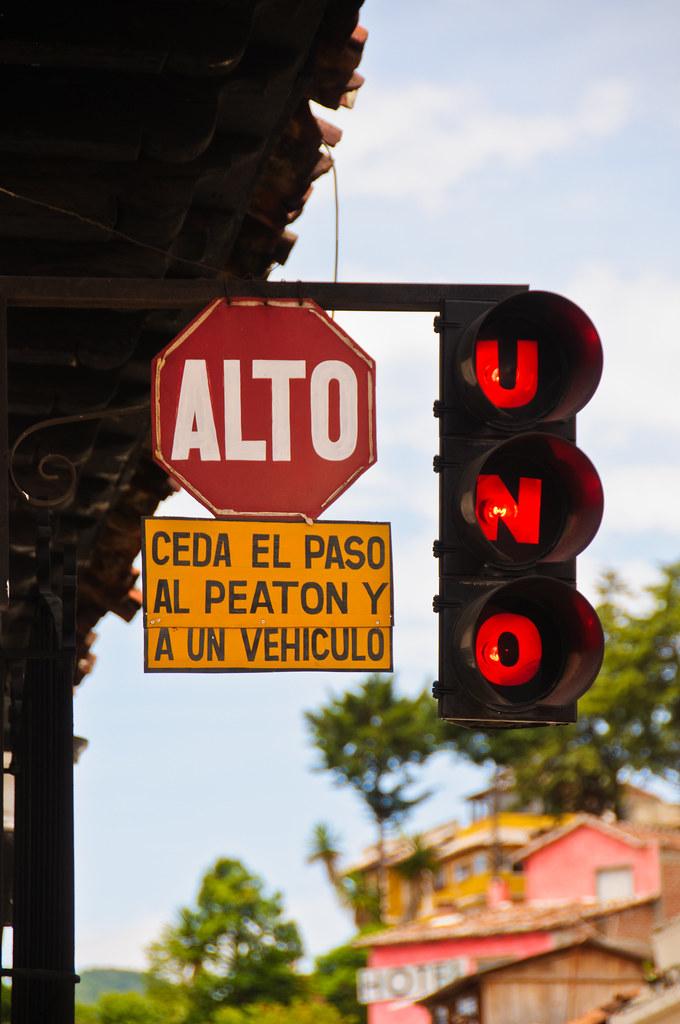 Traffic lights in San Cristobal
