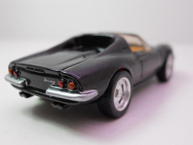hot wheels garage ferrari dino 246 gts blk (4)