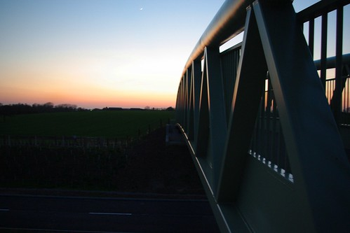 20100416-04_Sunset behind Lawford Heath + footbridge over RWRR by gary.hadden