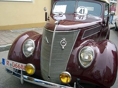 "Der Oldtimer • <a style=""font-size:0.8em;"" href=""http://www.flickr.com/photos/42554185@N00/14207397943/"" target=""_blank"">View on Flickr</a>"