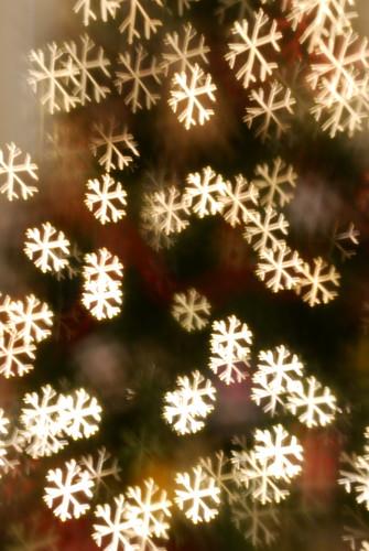 snowflaky tree lights