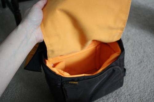 Golla Lynne camera bag inside