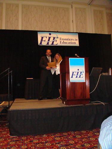 Manuel Castro recibiendo el citado galardón.