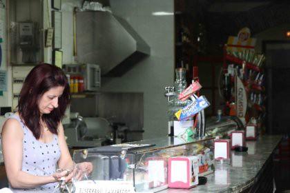 10h05 Barcelona Borne y vuelta065 Señora bar