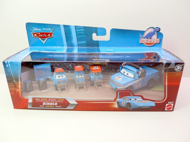 Disney CARS international Dinoco Pit Crew Set (1)