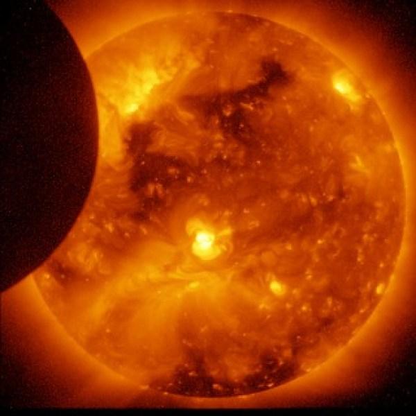 Solar Eclipse, Ending (NASA, Hinode, 01/07/11)