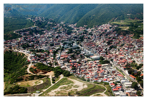 """Caracas • <a style=""""font-size:0.8em;"""" href=""""http://www.flickr.com/photos/20681585@N05/5292663637/"""" target=""""_blank"""">View on Flickr</a>"""