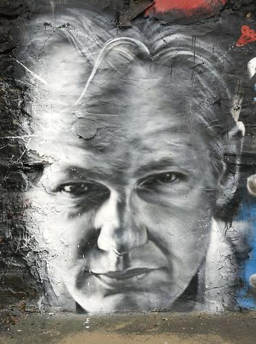 Julian ASSANGE arrested . Wikileaks