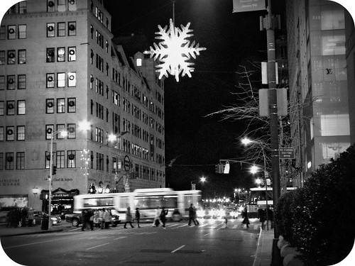 snowflake on 5th avenue