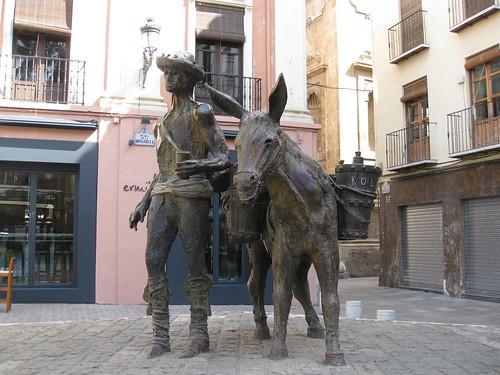 Sculpture in Plaza Pescadaria, Granada
