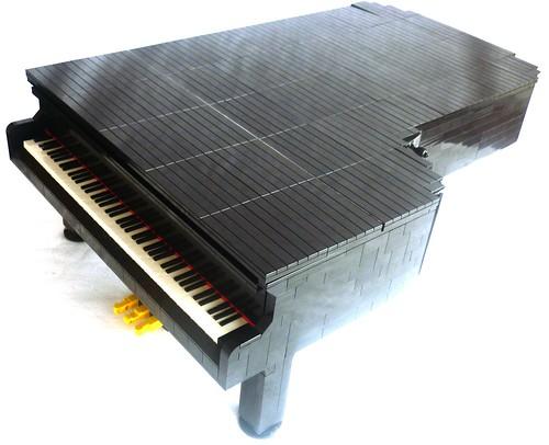 Grand Piano 11