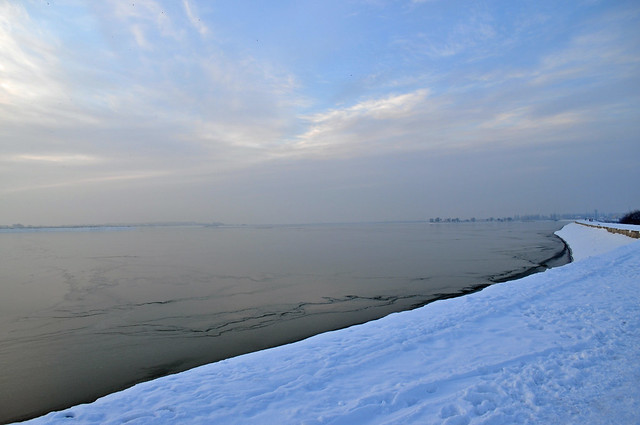 Lacul Morii frozen...