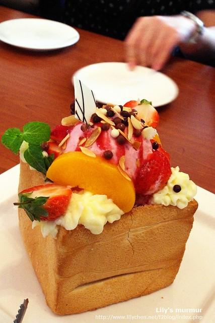 再來一張莓麗佳人蜜糖吐司!這個好吃喔!