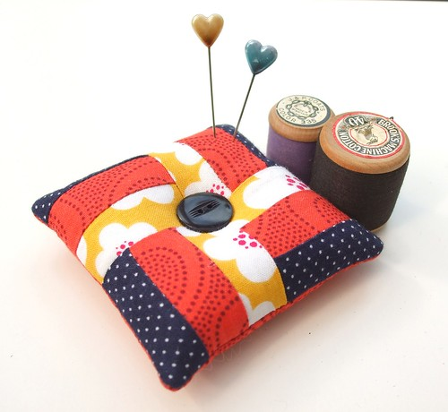 Colour-block pincushion