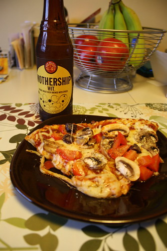 mothership new belgium beer; veggie pizza