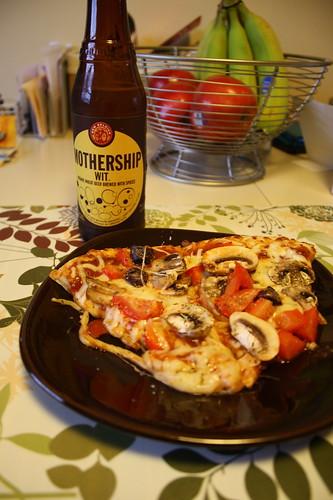 mothership new belgium beer; veggie pizza