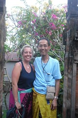 SDC10006 Claire and Rudi at family temple