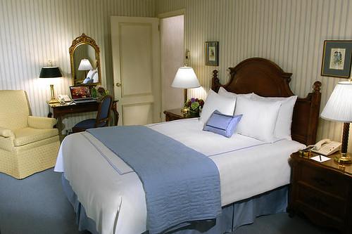 HotelElyseeGuestroom
