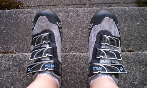 Tight bike shoes fit without pain!
