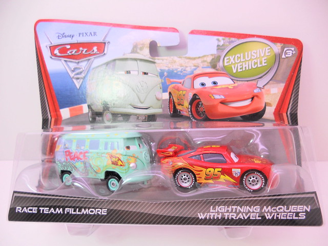 disney cars 2 race team fillmore lightning mcqueen with travel wheels (1)