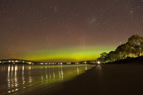 Aurora Australis, Lauderdale Beach by BrendanDavey