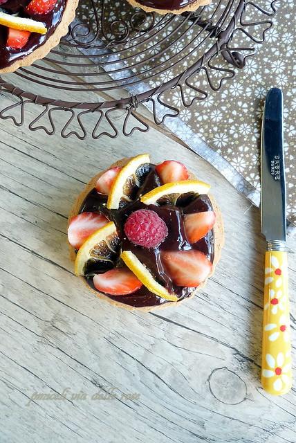 Tartelletta alla crema di cioccolato al limone e frutta