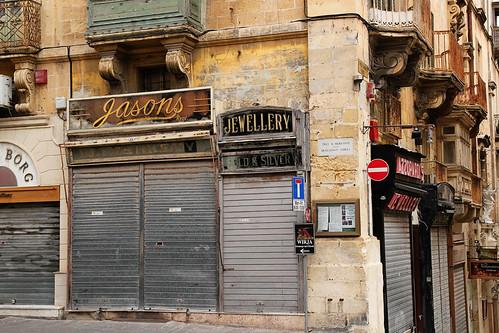 Valletta-street-corner