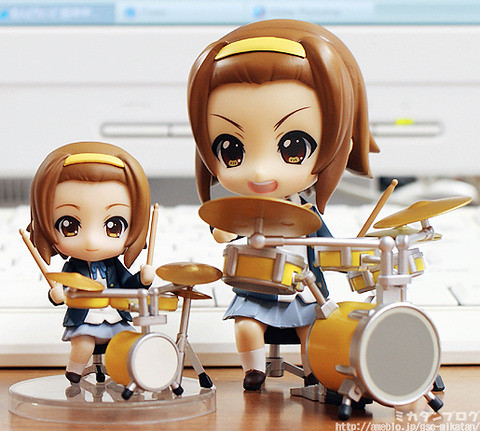 Nendoroid Tainaka Ritsu and her Petit rendetion