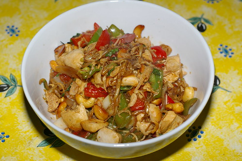 Chicken with cashew nuts and peppers by La belle dame sans souci