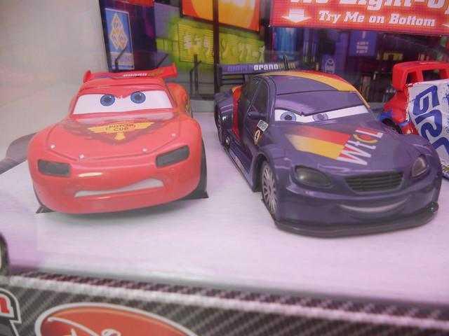 dinsey cars 2 disney store light up racers lightning max raoul nigel (2)