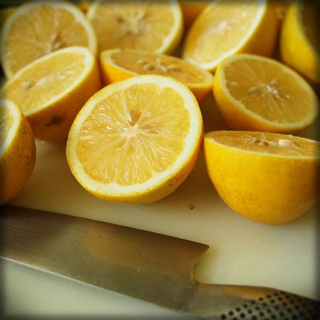 Lemons (w/lens and edge vignette applied)