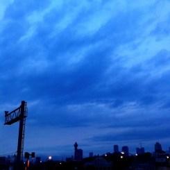 (^o^)ノ < おはよー! 今朝の大阪曇りです。
