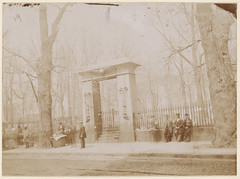 Gate to Granary Burying Ground
