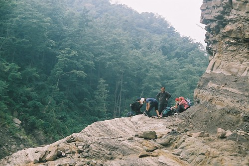 又爬上另外一個山頂了