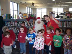 ThursdaySantaStorytime12-10 013