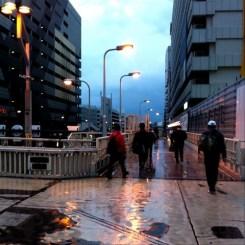 (^o^)ノ < おはよー! 雨いやだね!