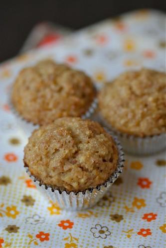 sour cream banana muffins 1