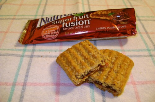 Nutri-Grain Cherry Pomegranate Superfruit Fusion Bars Innards