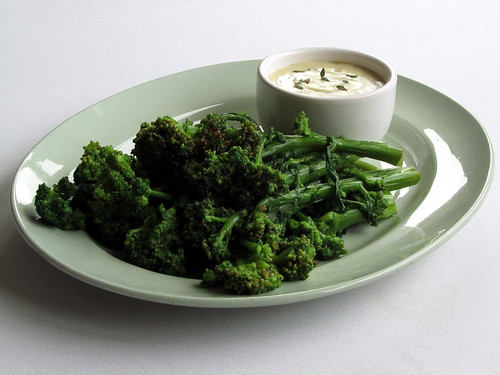 Hot blue cheese sauce with bacon, honey & thyme (to accompany sprouting broccoli)