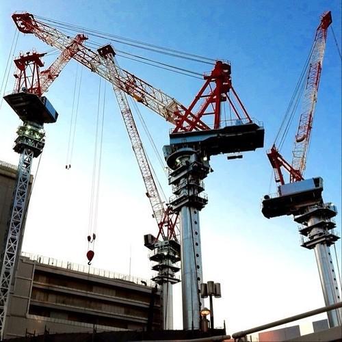 お昼~! あと半日がんばろ~!v( ̄Д ̄)v イエイ #noon #Osaka #Abeno #crane